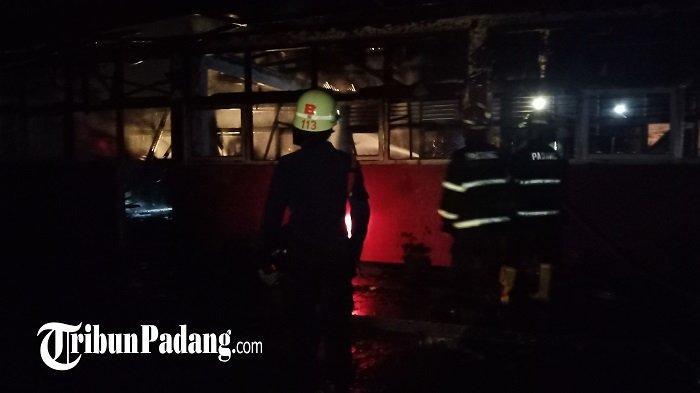 7 Ruang Kelas SD di Indarung Padang Terbakar, Sebagian Siswa Terpaksa Masuk Sore, Sampai Kapan?