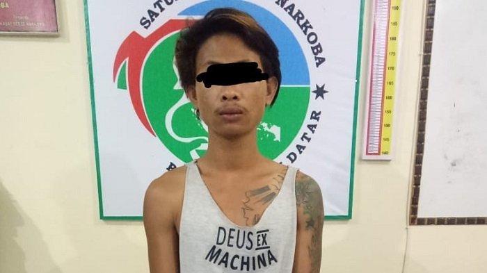 Petani Nyambi JualanSabu di Tanah Datar, Ditangkap Setelah PolisiMenyamar Jadi Pembeli