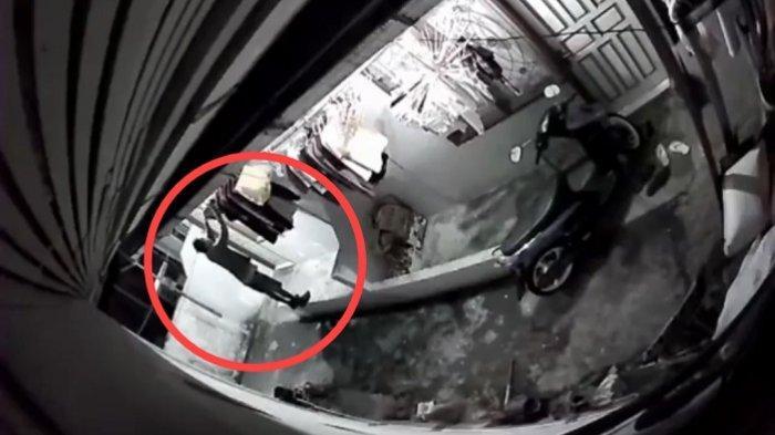 VIRAL Video Pria Maling Pakaian Dalam di Indarung Padang, Korban: Punya Saya dan Istri Diembat