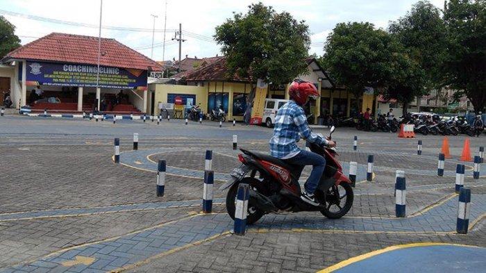 HARI TERAKHIR Satlantas Polresta Padang Gratiskan Perpanjangan SIM A/C, Rayakan HUT Polri