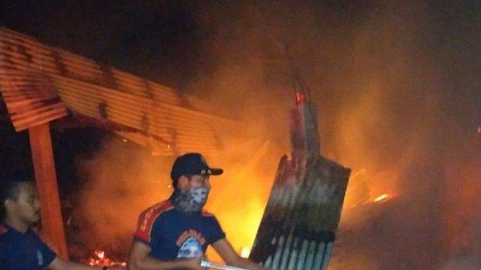 Tiga Gudang Di Padang Pariaman Ludes Terbakar, Kerugian Ditaksir Capai Rp 100 Juta