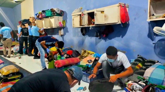 Razia Narkoba di Lapas Muaro Padang, Petugas Temukan Senjata Tajam hingga HP