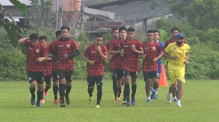 Satu Pemain Semen Padang FC Cedera Otot Paha, Arianto Sampaikan Terima Kasih kepada Tim