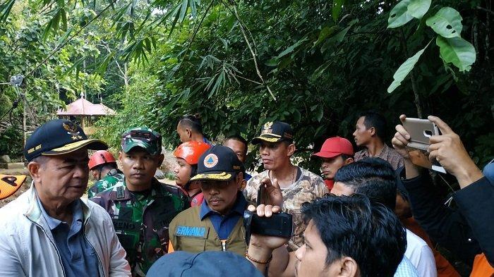 Tujuh Kabupaten dan Satu Kota di Sumatera Barat Dilanda Banjir dan Longsor, Tutup Akses Jalan