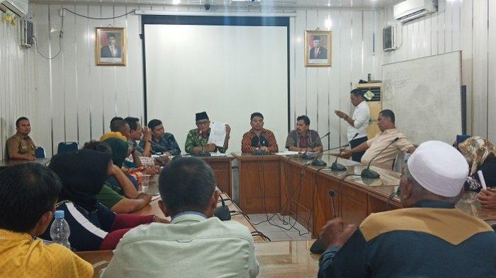 DPRD Padang Putuskan Penertiban PKL di Pasar Raya Dihentikan untuk Sementara Waktu