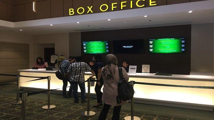 Antusiasme Penonton Saksikan Tayang Perdana Film Gundala di Kota Padang