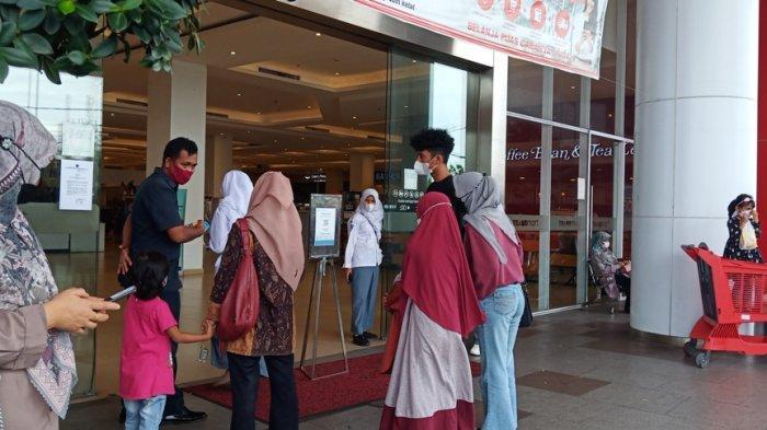 Sumbar Terapkan Wajib Bawa Bukti Vaksin Saat Masuk Mal, Pengunjung Transmart Padang Turun Drastis