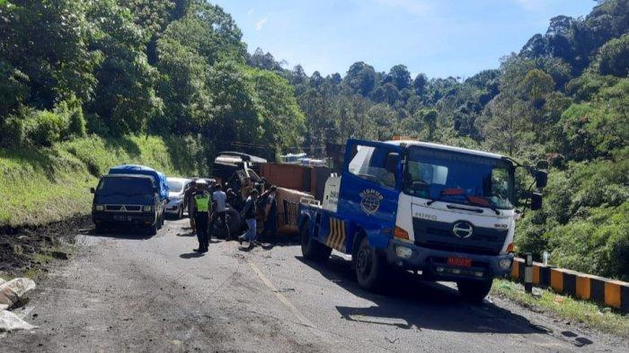 Evakuasi Truk Muatan Elektronik di Silaiang Selesai, Tak Ganggu Arus Lalu-lintas Padang-Bukittinggi