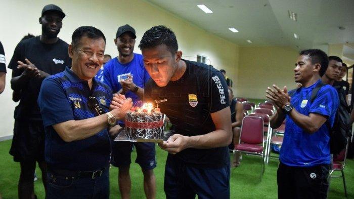 Mantan Kiper Semen Padang FC Rayakan Ulang Tahun Ke-26, Teja Paku Alam: Semoga Persib Juara