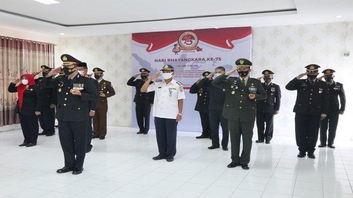 HUT Bhayangkara RI ke 75, Sebanyak 26 Personel Polres Pariaman Naik Pangkat