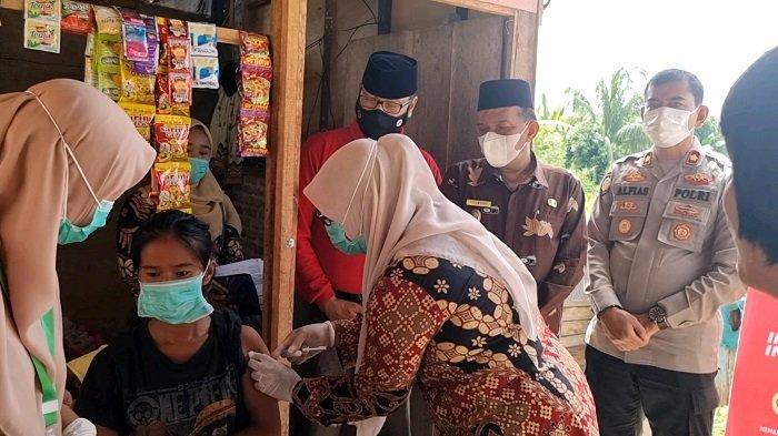 BIN Daerah Sumbar Lanjutkan Vaksinasi Pelajar di Padang Pariaman, Dosis Kedua di SMPN 1 Lubuk Alung