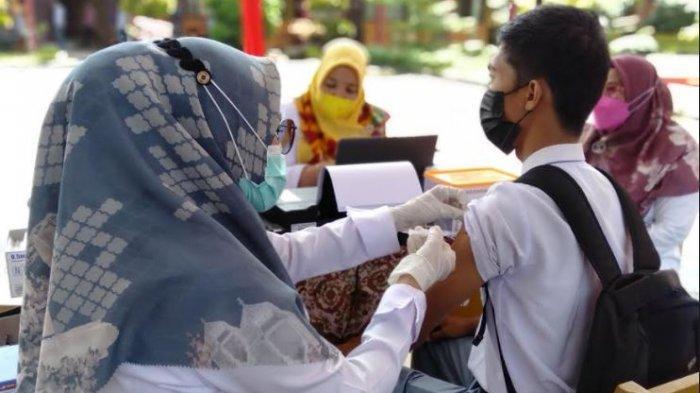 Dua Ribu Pelajar di Padang Pariaman Ikut Vaksinasi Covid-19