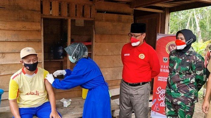 Gencarkan Vaksinasi Sumbar, Selain Ditinjau Jokowi, BIN Turun ke Ladang Warga di Dharmasraya