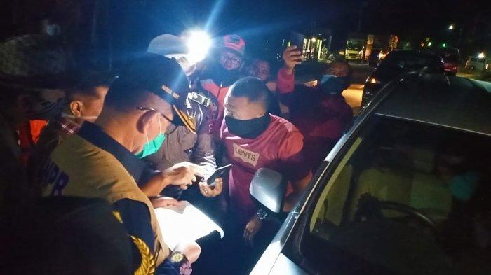 Wagub Sumbar Nasrul Abit Mendadak Datangi Posko Covid-19 Perbatasan Riau, Suruh Travel Putar Balik