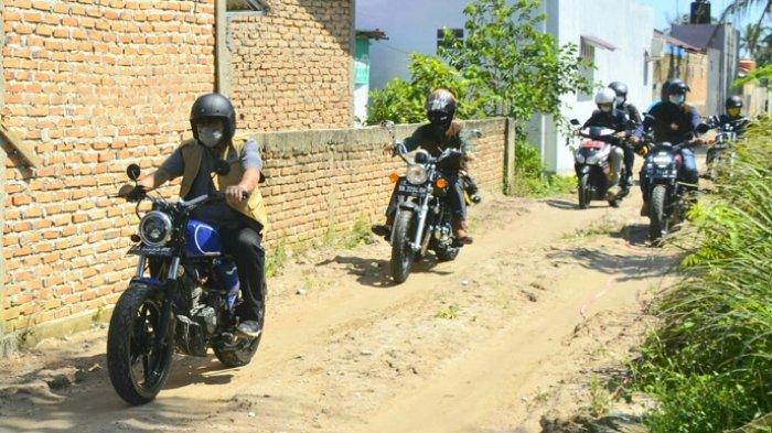Monitoring Pelaksanaan Manunggal BBGRM, Wako Padang Hendri Septa Tunggangi Sepeda Motor