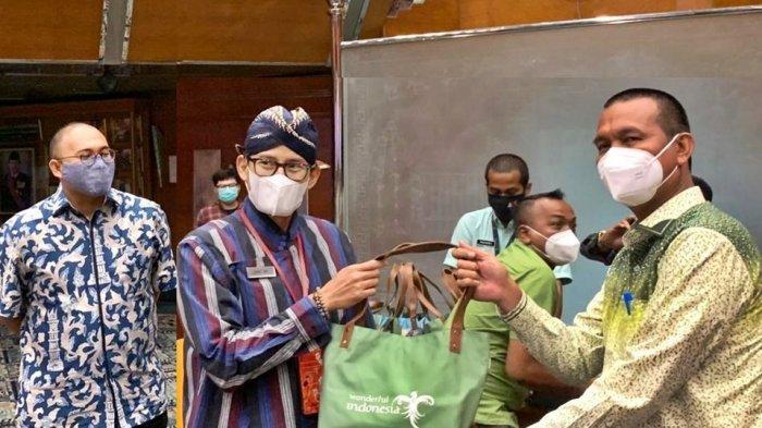 Temui Sandiaga Uno, Genius Umar Ulas Konsep Percepatan Pariwisata dan Pemulihan Ekonomi Pariaman