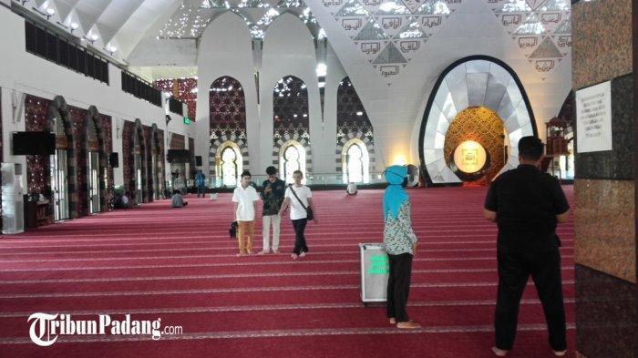 Doa dan Amalan Terbaik di Hari Jumat, Membaca Surah Al Kahfi, Shalawat dan Bersedekah