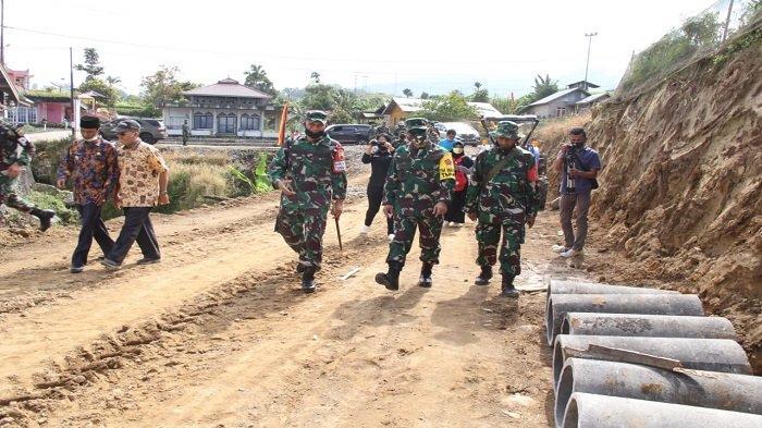 Tinjau TMMD Ke-108 Kodim 0307/Tanah Datar, Ketua Tim Wasev Mabes TNI Ucapkan Terima Kasih
