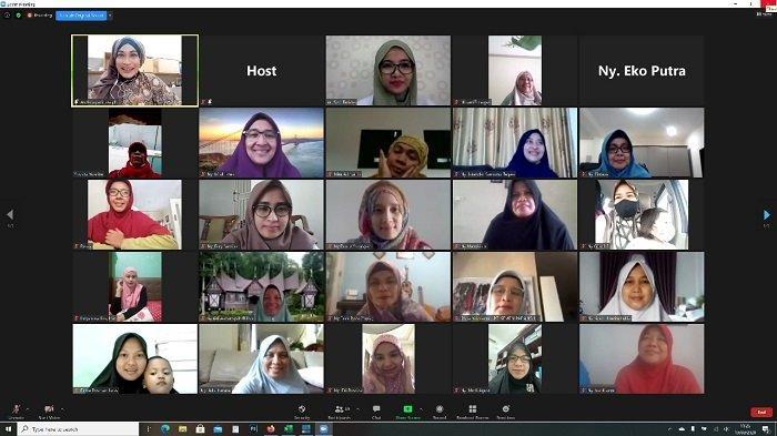 Semen Padang Adakan Webinar Cegah Covid-19 untuk Istri Karyawan