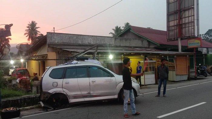 Kronologi Lakalantas di Simpang Sungai Asam Sicincin Padang Pariaman, Versi Polisi