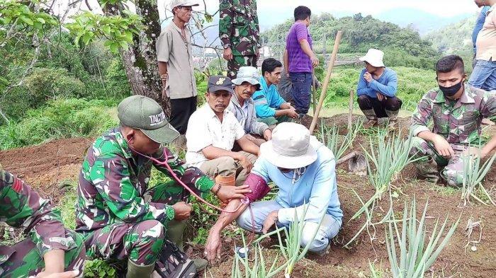 TMMD Reguler Ke-108 Kodim 0307/Tanah Datar, Berikan Layanan Kesehatan Gratis