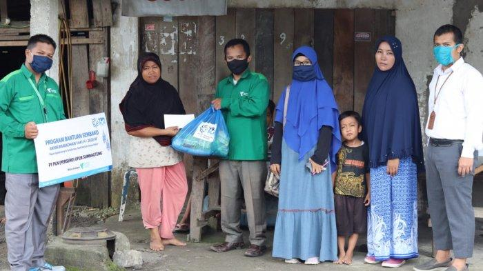 YBM PLN UP2B dan DD Singgalang Serahkan Bantuan Sembako untuk Warga Sintuak Padang Pariaman