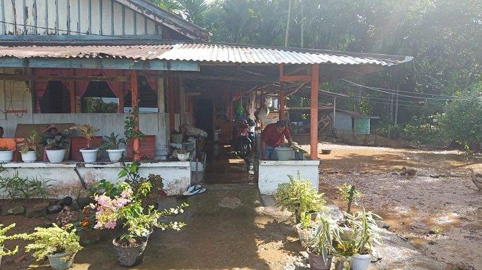 Banjir di Air Paku Kelurahan Sungai Sapih Lebih Tinggi dari Banjir 3 Tahun Lalu