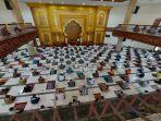 aktivitas-salat-jumat-di-masjid-jabal-rahmah-pt-semen-padang.jpg