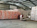 bulog-sumbar-siapkan-10-ton-beras-menyambut-bulan-ramadhan.jpg