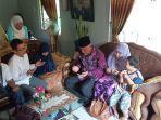 datangi-rumah-keluarga-zulfirman-syah-walikota-padang-mahyeldi-ansharullahajak-doa-bersama.jpg