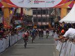 finish-etape-ii-tour-de-singkarak-tds-2019-di-bukitinggi.jpg
