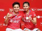 greysia-poliiapriyani-rahayu-di-podium-indonesia-masters-2020.jpg