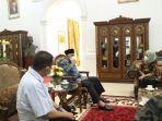 gubernur-sumatera-barat-sumbar-buya-mahyeldi-menerima-kunjungan.jpg