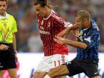inter-milan-vs-ac-milan-liga-italia-zlatan-ibrahimovic-saat-membela-ac-milan.jpg