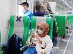 kereta-api-minangkabau-ekspres-jumat-2342021.jpg