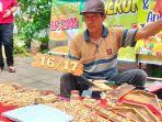 kisah-pengrajin-aksara-timbul-jati-belanda-di-kawasan-gor-h-agus-salim-sudah-keliling-indonesia.jpg