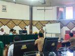komisi-1-dewan-perwakilan-rakyat-daerah-dprd-padang-hearing-bersama.jpg