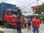 korban-kecelakaan-truk-kontainer-vs-truk-kontainer-di-jalan-by-pass-padang.jpg