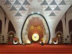 masjid-raya-sumbar-terlihat-sepi-saat-malam-takbir-idul-adha-senin-1972021.jpg