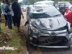mobil-mengalami-kerusakan-akibat-kecelakaan-di-tabing.jpg