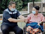 momen-saat-ani-yudhoyono.jpg