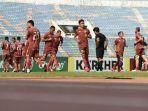 official-training-persija-jakarta-di-stadion-thuwunna.jpg