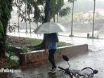 padang-hujan.jpg