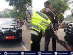 pakai-plat-nomor-3-lapis-mobil-dinas-anggota-dprd-asal-sumbar-ditilang-di-pekanbaru.jpg
