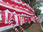 pedagang-bendera-merah-putih-di-lapangan-imam-bonjol-padang.jpg
