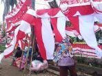 pedagang-bendera-merah-putih-rabu-582020.jpg