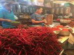 pedagang-cabai-merah-di-pasar-raya-padang.jpg