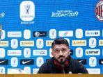 pelatih-ac-milan-gennaro-gattuso-saat-menghadiri-konferensi-pers-jelang-piala-super-italia-2019.jpg