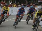 pembalap-asal-iran-mohammad-ganjkhanlou-berhasil-menguasai-etape-vii.jpg