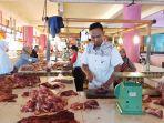 penjual-daging-di-pasar.jpg